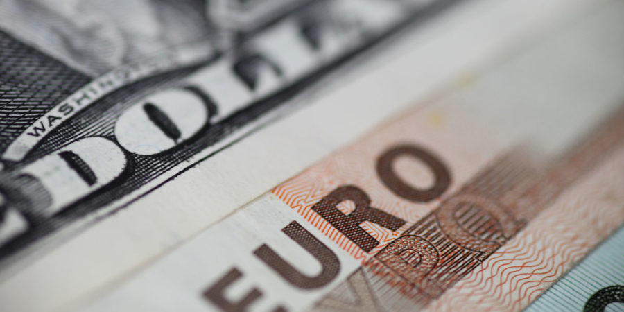 EUR/USD Falls As FED And ECB Are Expected To Cut